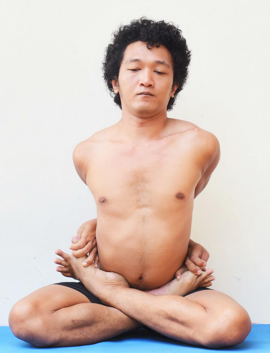 Baddha Padmasana